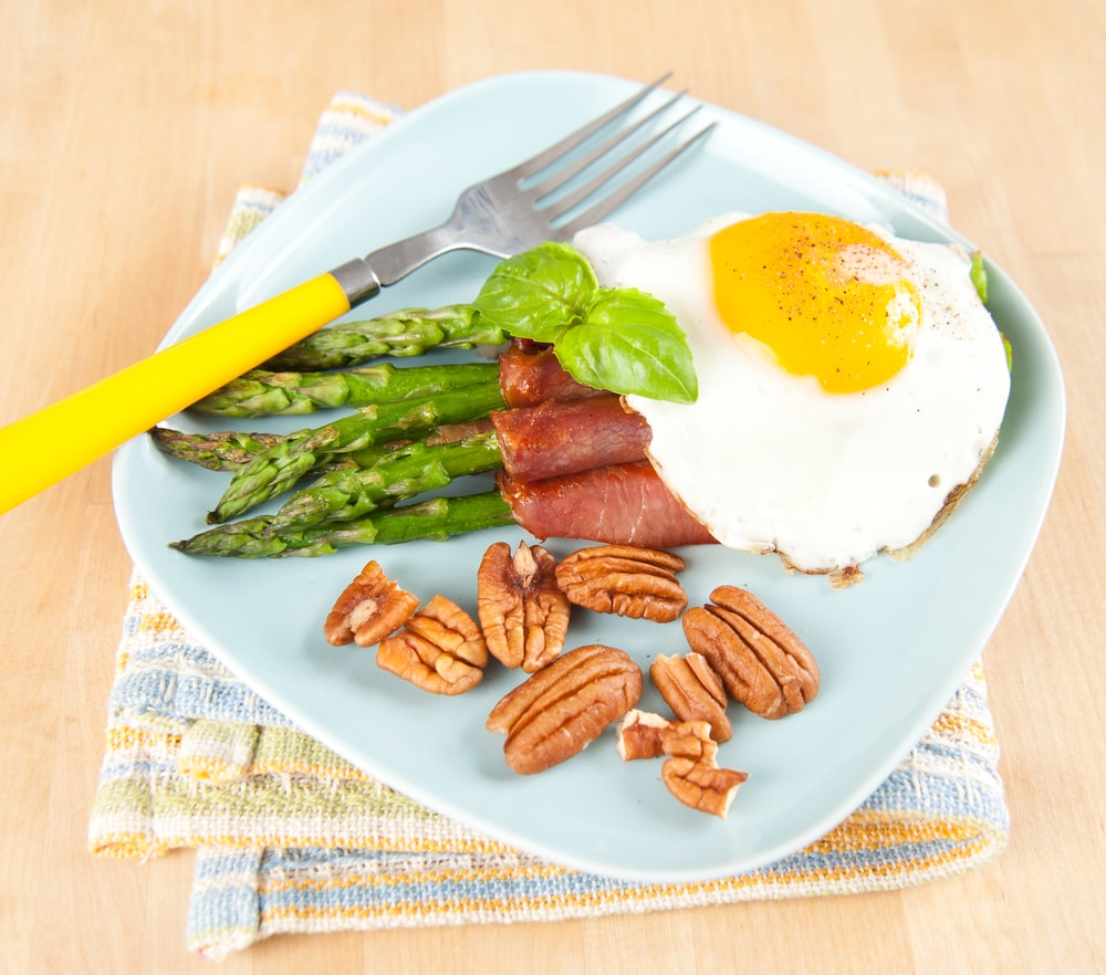 aaa breakfast eggs protein nuts-min